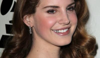Lana Del Rey punched be eminem